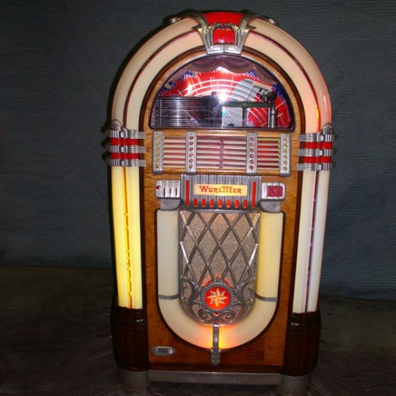 Small Move Experts Juke Box